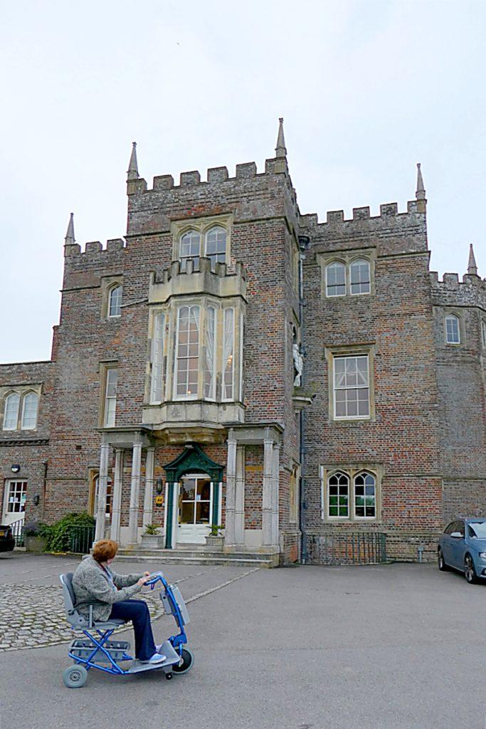 Trip - Donnington Grove Hotel Main Entry